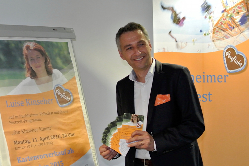 Bürgermeister Norbert Seidl stellt das Programm zum Volksfest 2016 vor. Foto: Puchheimer Stadtportal