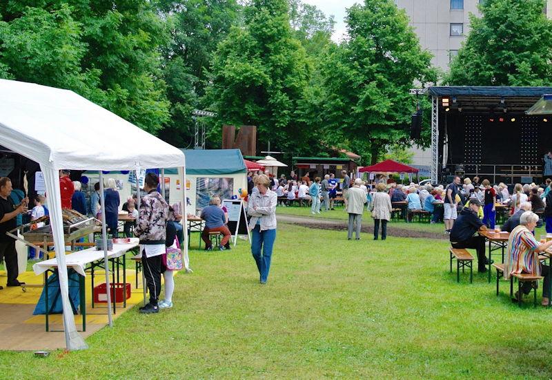 Die Puchheimer feiern gemeinsam den 5. Jahrestag der Stadt. Foto: Puchheimer Stadtportal