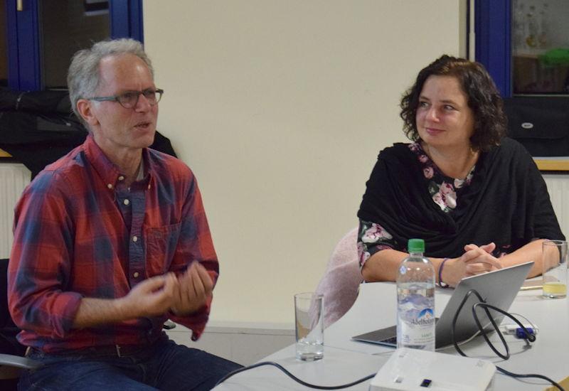 Udo Philipp (Mitglied der grünen Rentenkommission) und Beate Walter-Rosenheimer (Mitglied des Bundestages). Foto: OV Puchheim