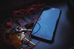 Sammelaktion: Mit alten Handys Gutes tun