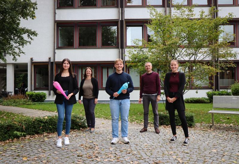 Von links: Nora Sinani, Birgit Maier, Paul Altenberger, Erster Bürgermeister Norbert Seidl und Michaela Elstner. Foto: Stadt Puchheim
