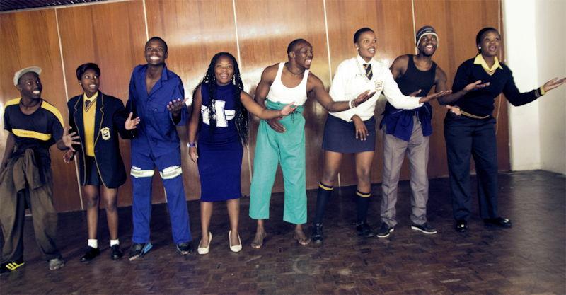"""Die Theatergruppe """"M.U.K.A.-Project"""" aus Südafrika ist am 18.10. in der Evangelischen Auferstehungskirche zu Gast. Foto: Kinderkulturkarawane"""