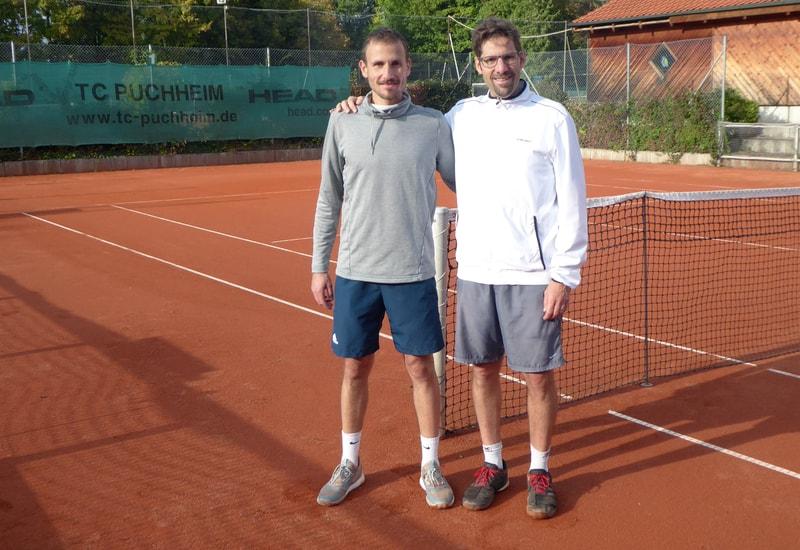 Der Clubmeister des TC Puchheim bei den Herren Sebastian Wichert (li.) und der unterlegene Finalist Florian Lippl (re.).