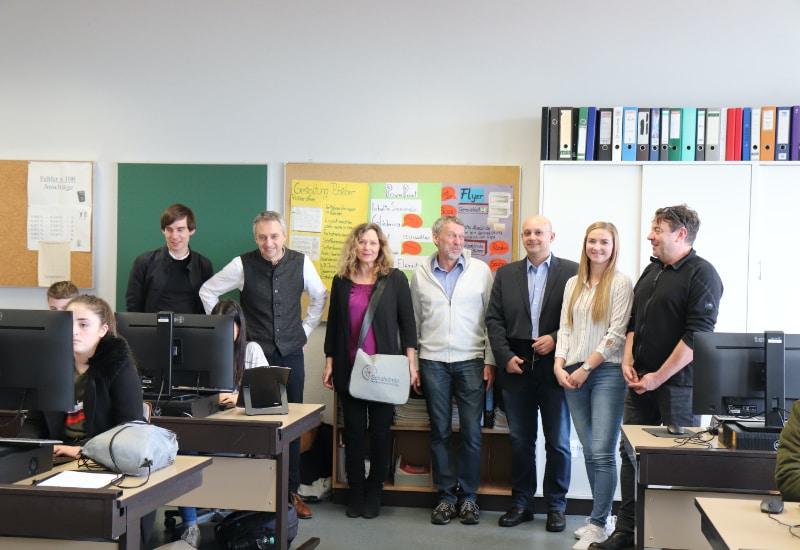Übergabe der neuen IT-Endgeräte für Puchheimer Schulen