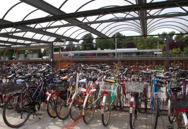 Entrümpelung der Fahrradunterstände am S-Bahnhof