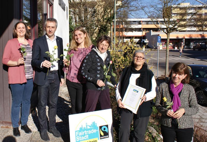 "Fairtrade-Aktion ""Flower Power"" am 8. März im Puchheimer Rathaus"