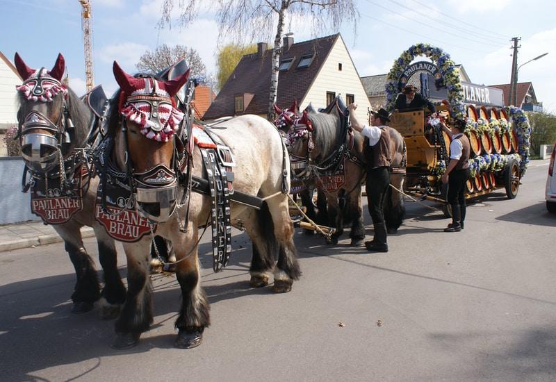 Am Samstag, 28. März 2020, findet um 14 Uhr wieder der traditionelle Festzug des Puchheimer Volksfestes AUFTAKT statt.