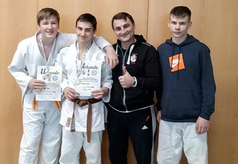 Die Teilnehmer der Bayerischen Meisterschaft U18 mit ihrem Trainer Danilo Kunz