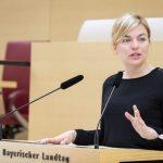 Traditioneller Festzug mit Grünen-Politikerin Katharina Schulze