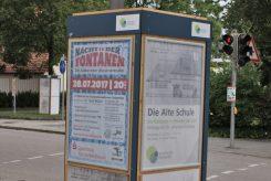 STADTMITTE Puchheim − Litfaßsäulen und Mal-Aktion