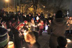 """Sternenlauf und Lichtertanz beim St. Martinsfest im Puchheimer Kinderhaus """"Schatzinsel"""""""