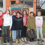 Jugendzentrum STAMPS baut Insektenhotels