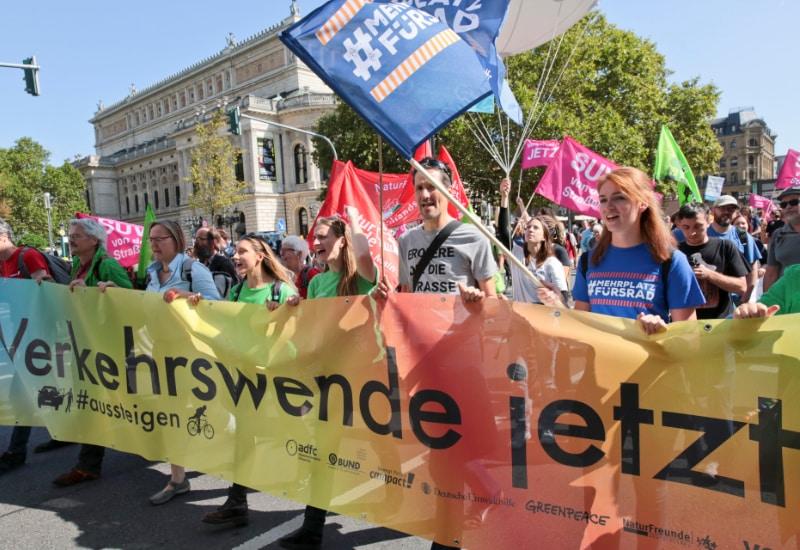 Hier zu Fuß, am 11. September als Radlkorso u.a. durch Puchheim.